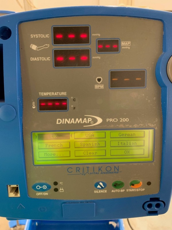 Critikon Dinamap Pro Series 200