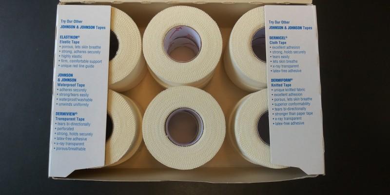 JOHNSON & JOHNSON 1 in x 10 yards Zonas Porous Tape, box of 12 rolls
