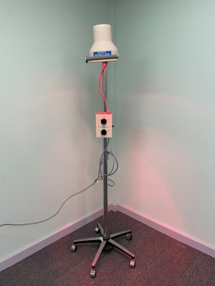 OLYMPIC MEDICAL Model no. 32 Warm Lamp